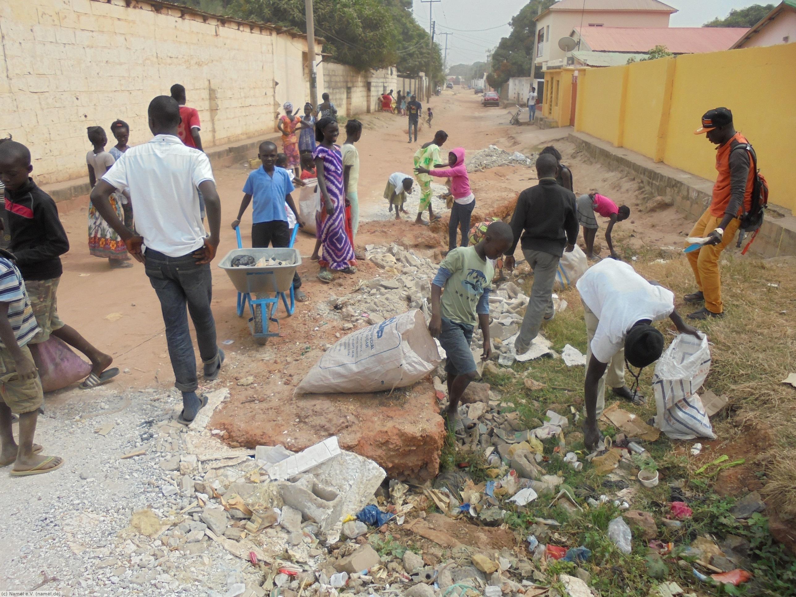"""No plastic please"" – Unser erstes Projekt (Gambia)"